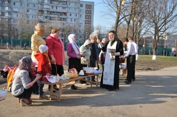 sanctification of kulichi and colored eggs Russia Easter