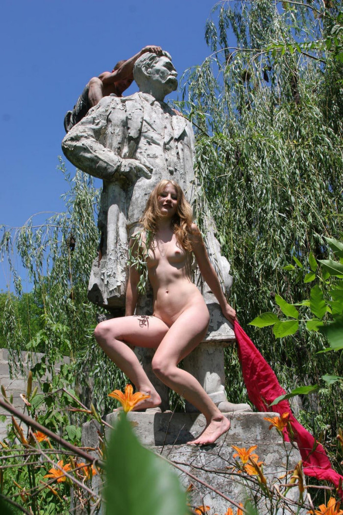 Naked blonde at an abandoned statue  Russian Sexy Girls