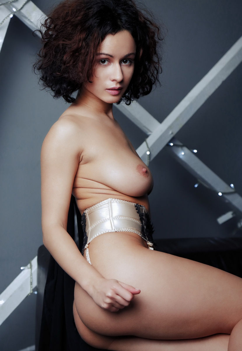 Curly beauty Pammie Lee with amazing boobs  Russian Sexy