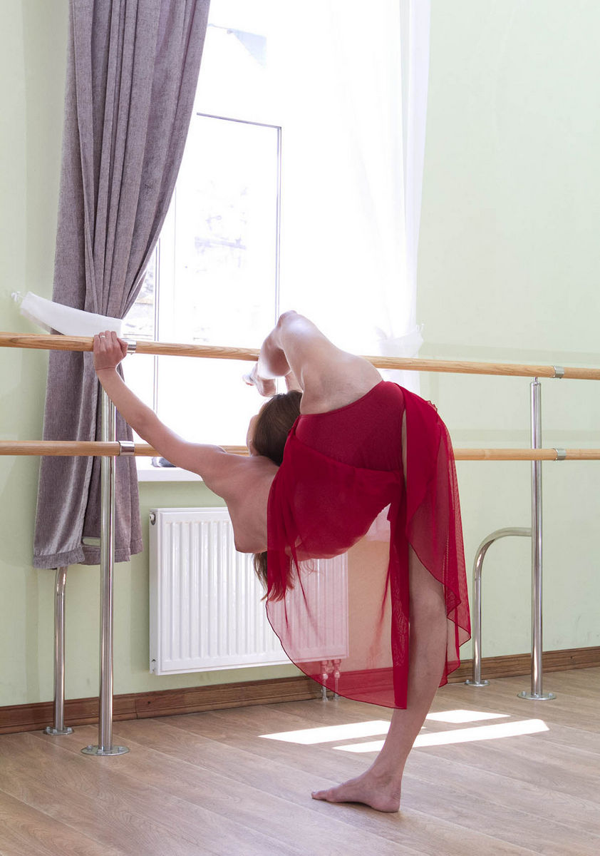 Beautiful gymnast girl with really sexy body  Russian