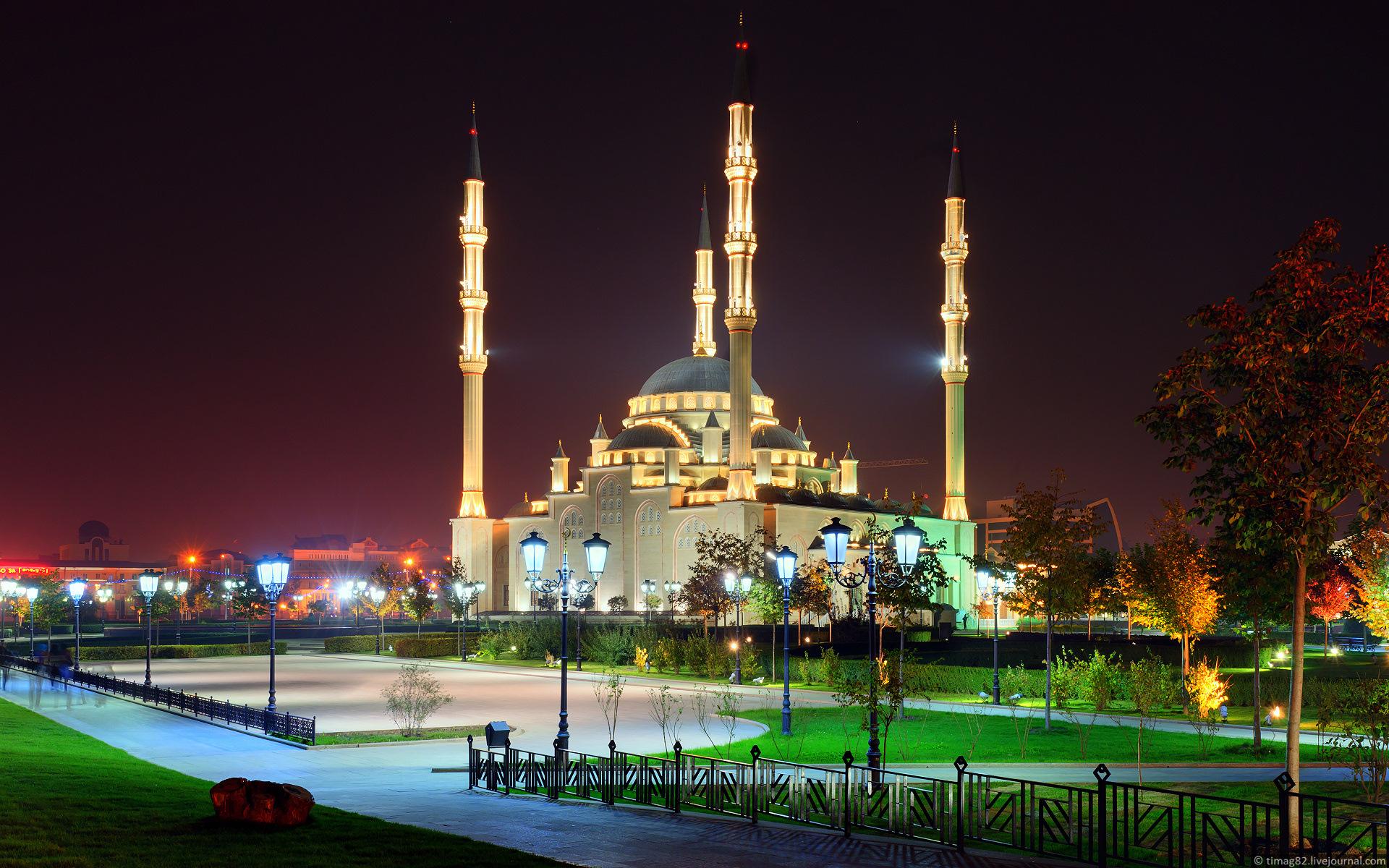 https://i0.wp.com/russiatrek.org/blog/wp-content/uploads/2012/01/grozny-city-at-night-time-11.jpg