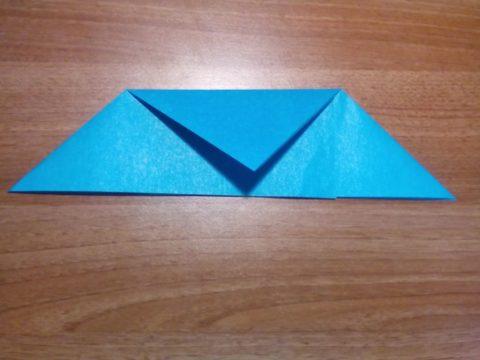Как сделать из бумаги самолет, который летает 100 метров