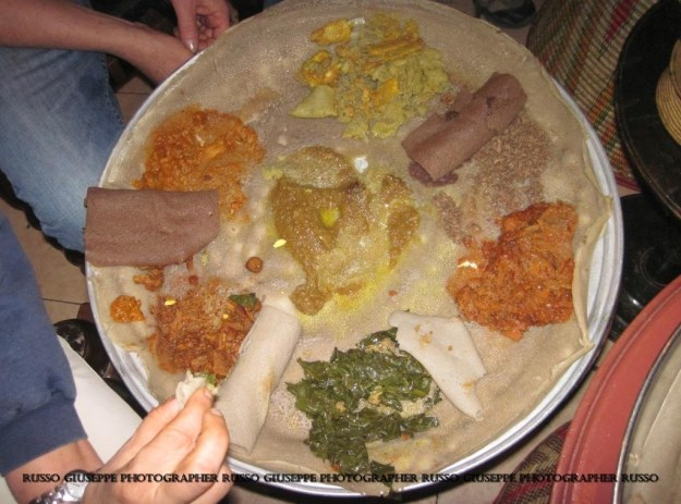 INJERA IL PIATTO TRADIZIONALE ETIOPE I ETIOPIA  Giuseppe Russo Photo