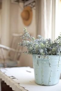 Shabby Chic Spring Decor Ideas - Rustic Crafts & Chic Decor