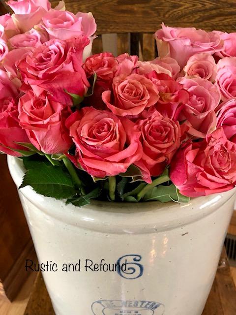 roses in lg crock