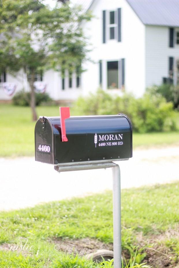 FREE Silhouette Mailbox Monogram Cut File