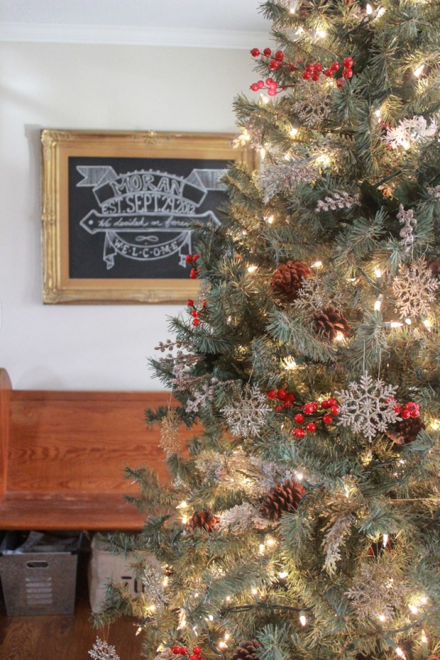 farmhouse-christmas-tour-30-of-37