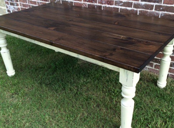 White Pine Turned Leg Farmhouse Table