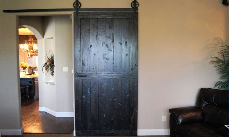 Knotty Alder Center Brace Barn Door