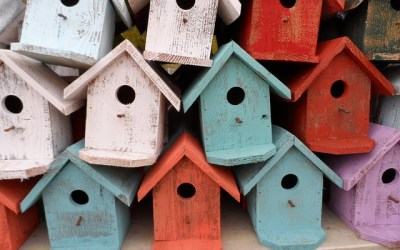 13 Simple Homemade Wooden Birdhouse Ideas