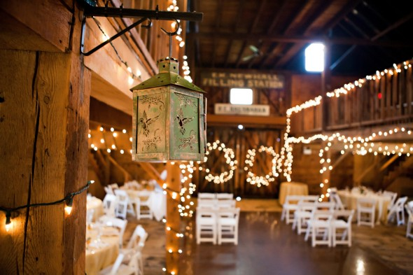 5 Tips For Planning A Barn Wedding In The Winter  Rustic Wedding Chic