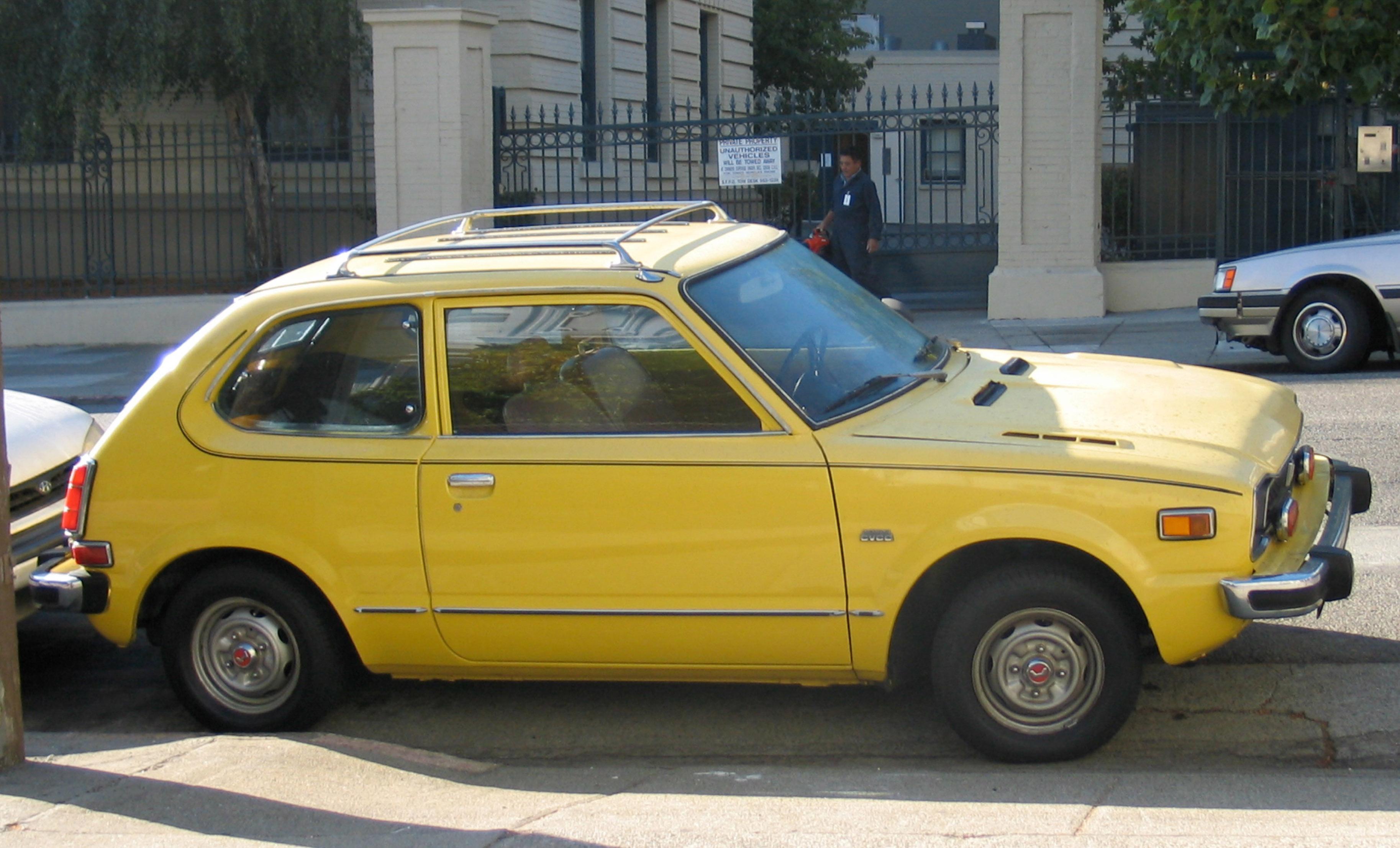 1975 Honda Civic side