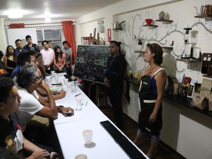 Sandra Mendizábal y Jhoel Caro dan consejos a emprendedores.