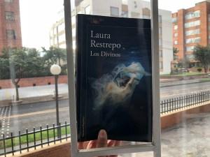 Los Divinos de Laura Restrepo