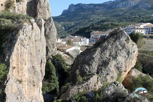Una roca en vilo
