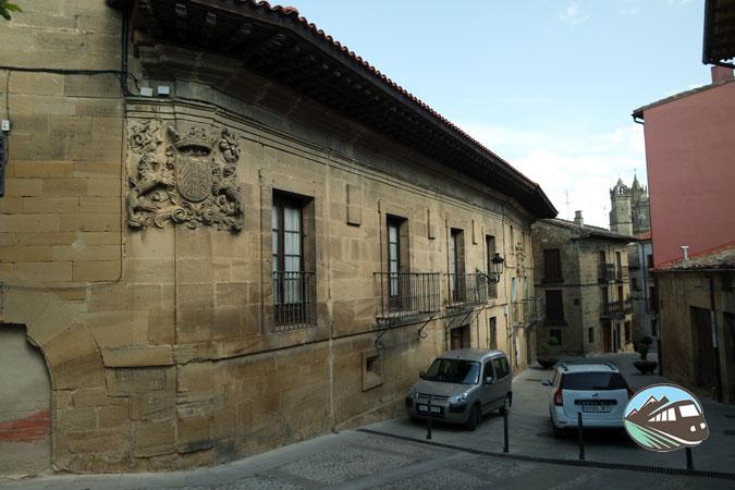 Casa-Palacio Ramírez de la piscina
