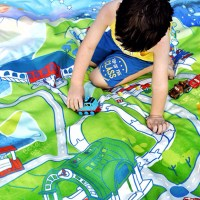 MANTAS de PICNIC para viajes y escapadas, con sus juguetes favoritos