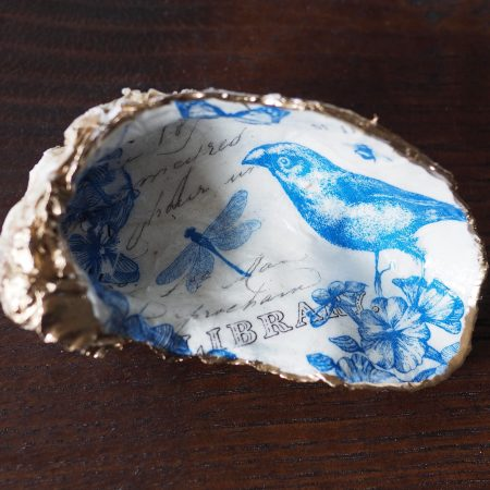 Decorated Oyster shell with Blue and white bird and dragonfly