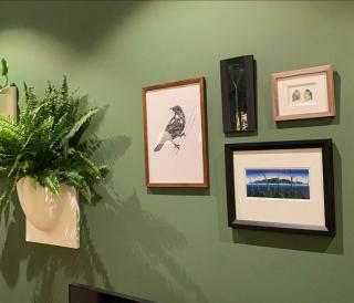 Grønt hjem for fuglene «Granskogen neste?» 🤩 Gøy å se bildene mine på plass i sine nye hjem! Takk for bildet @lisa.tangnes ! 🥰 • #rutheart_home