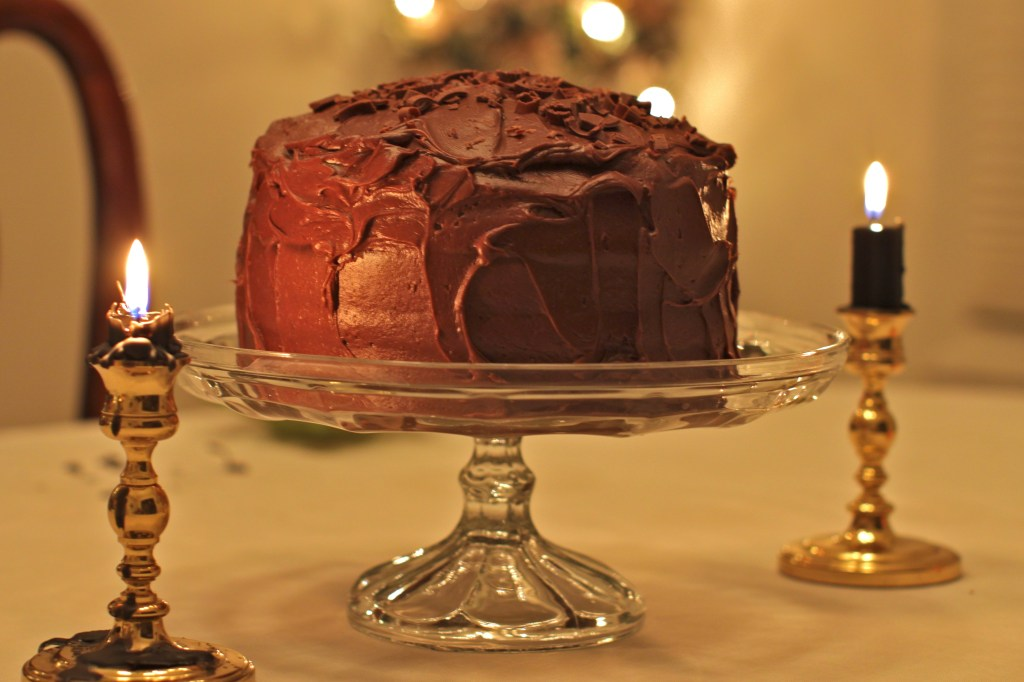 chocolate-layer-cake-on-cakestand