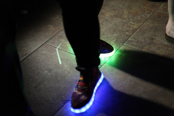 light up shoes2