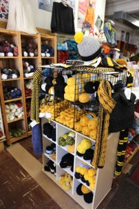 Yarn to knit up Black and Gold sports team items