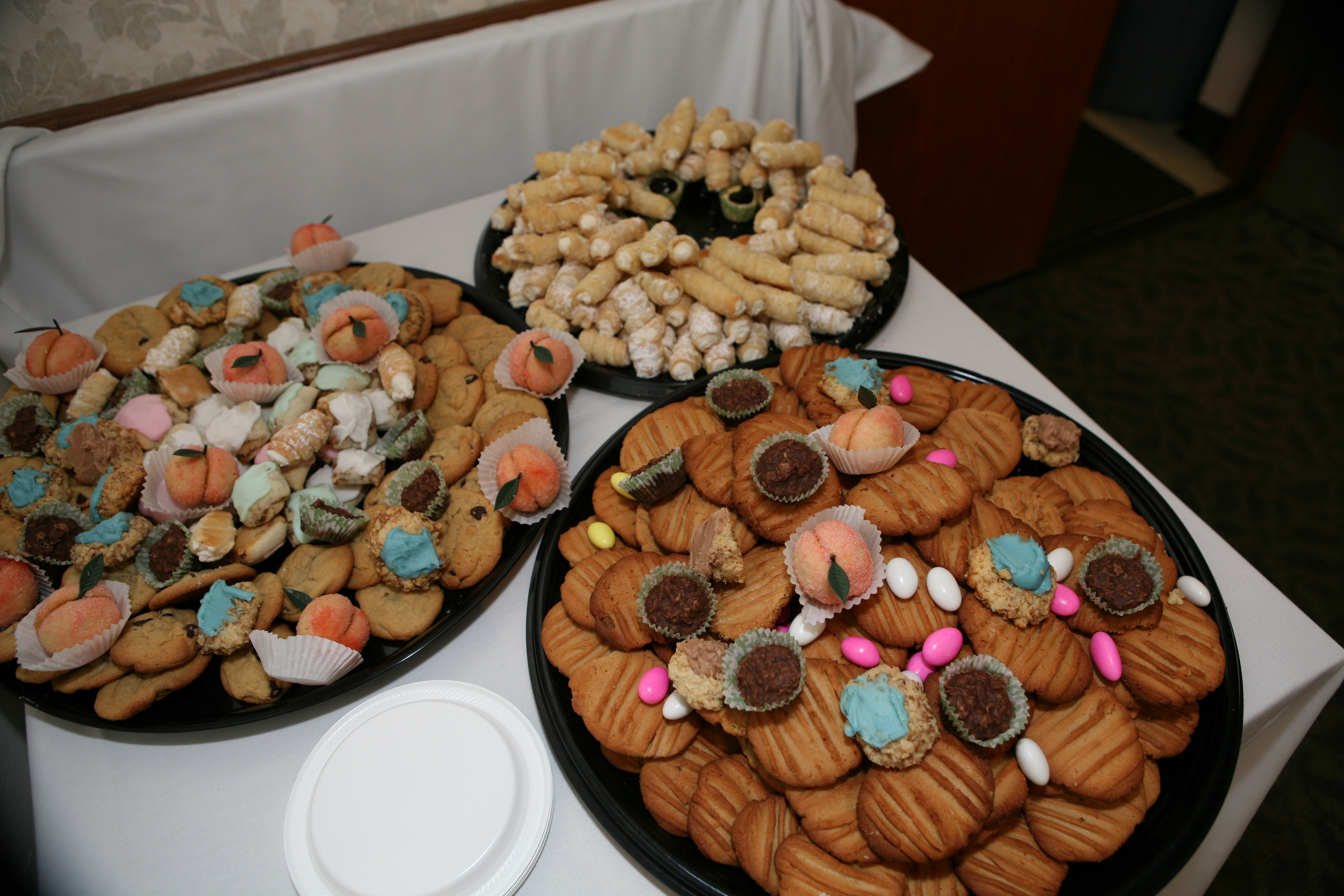Cookie Tables at Pittsburgh Weddings are Tradition  Ruth E Hendricks Photography