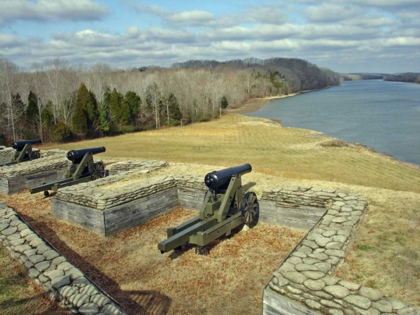 The batteries at Fort Donelson had a commanding view of the Cumberland River