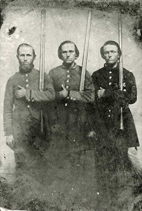 Dr. John Kennerly Farris, (left) Co. I, 41st Tenn Volunteer Regiment, CSA and brothers, Sam and Bud. (Photo submitted.)