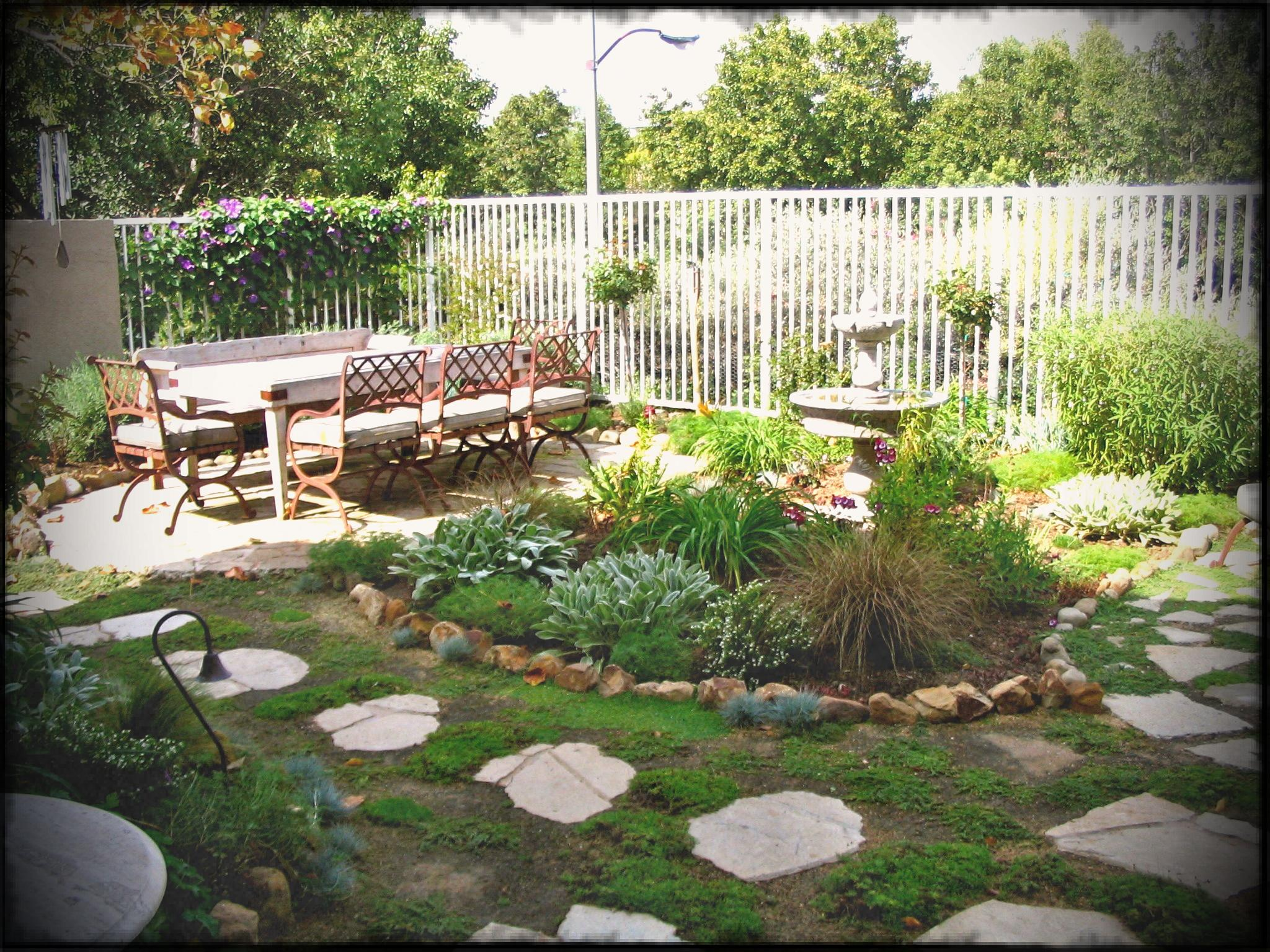 Landscaping Garden Design Ideas for a Small Yard - Ruthie ...