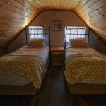 Loft bedroom with 2 twin beds