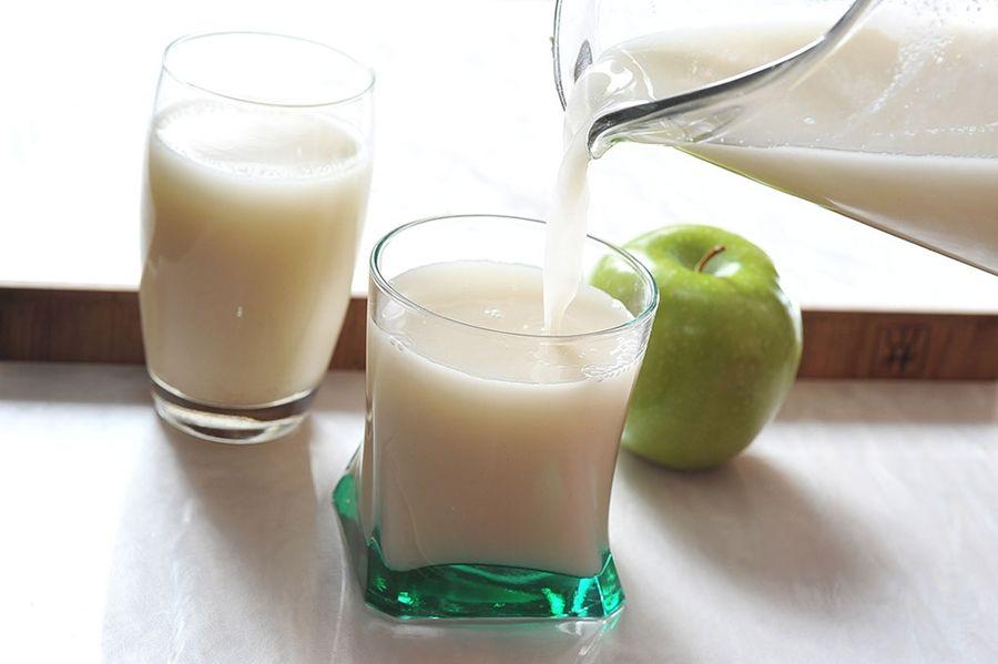 Licuado de manzana y avena para bajar de peso