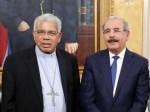 Danilo Medina se reúne con monseñor Ozoria en Palacio Nacional