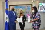 Radhamés González reconoce colaboradoras de OMSA en el Día de la Mujer