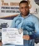 """Amín Alexander recibe certificación de nominado en renglón """"Locutor (a) Plataformas Digitales"""""""