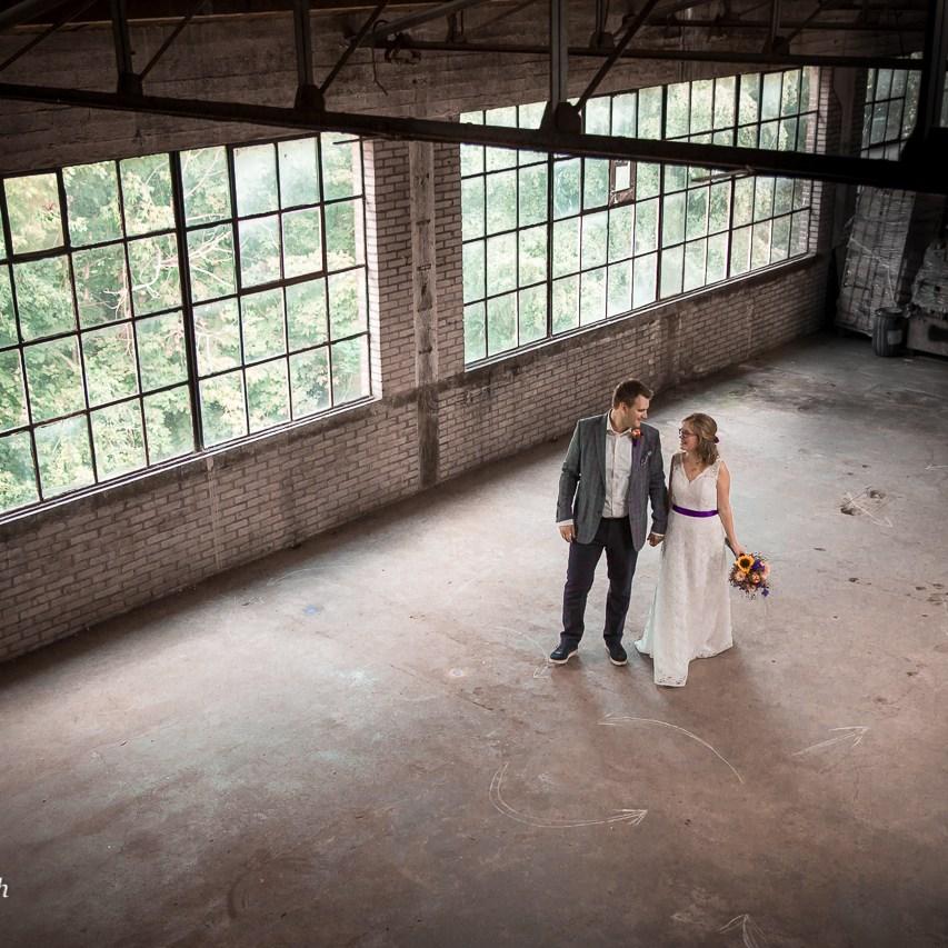 portretfotograaf portret fotoreportage fabriek industrieel industriële gezocht laten maken binnenlocatie trouwfotograaf huwelijksfotograaf zuid holland noord brabant utrecht Ruwmantisch Rawmantic