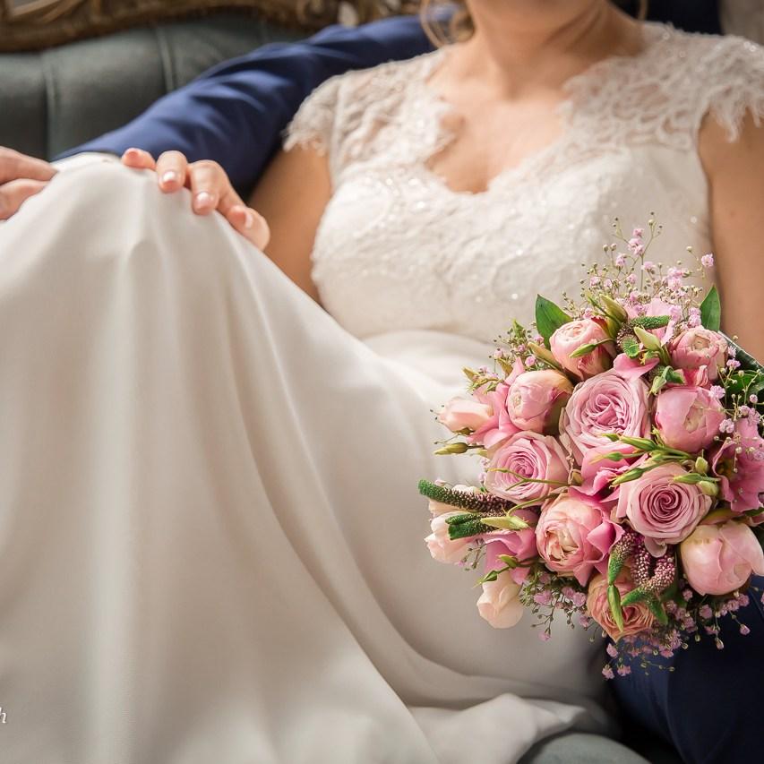 trouwfoto's-portretfotograaf-fotoreportage-fabriek-industrieel-industriële-gezocht-laten-maken-binnenlocatie-aparte-bijzondere-trouwfotograaf-huwelijksfotograaf-Ruwmantisch-holland-brabant