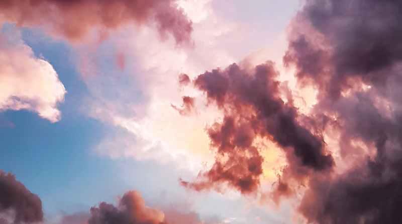 Baldan oluşmuş bulutlar gördüm