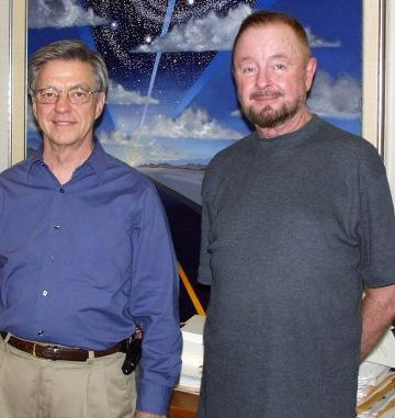 Hal Puthoff and Ingo Swann meeting again during the IRVA 2002 remote viewing conference in Austin, Texas