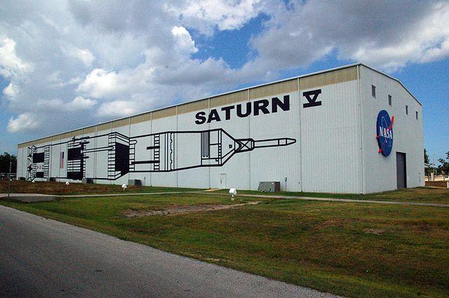 Shelter building, Saturn V rocket
