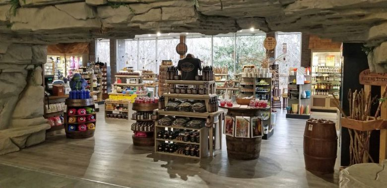 Mammoth Cave National Park gift shop. © Brad Saum/RvingRevealed.com – All rights reserved.