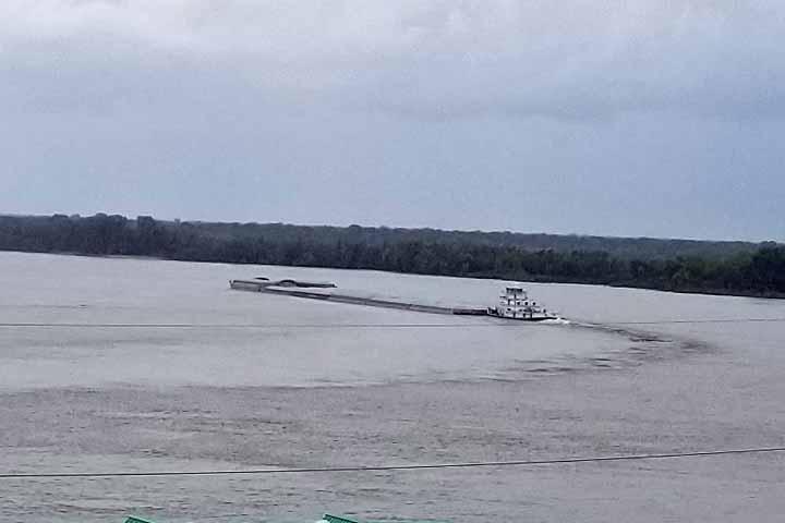tug boat on Mississippi River
