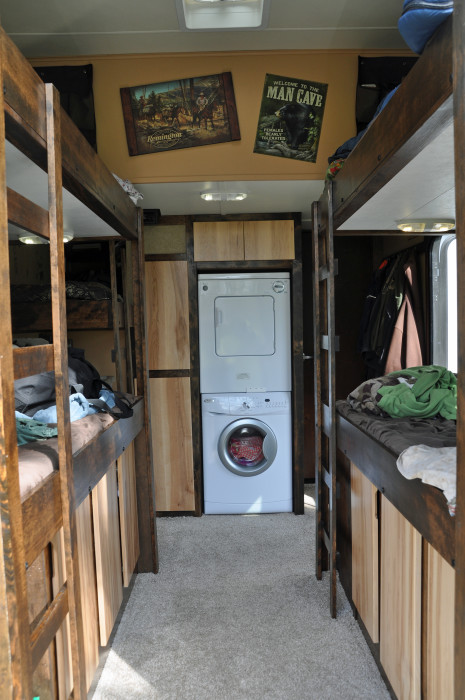 Four person bunk house with laundry