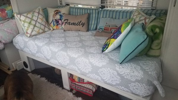 DIY daybed added to RV by Cheri Rabe-Harrigan | RVinspiration.com