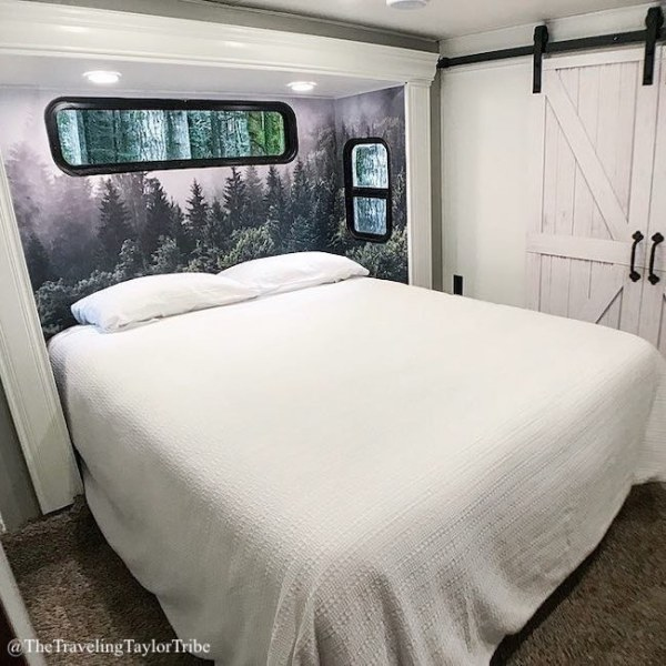 See more pics of this RV on Instagram: @TheTravelingTaylorTribe