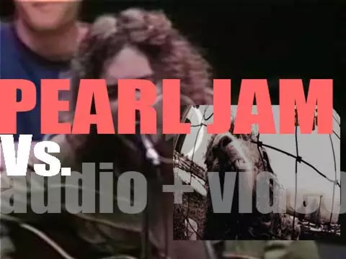 Pearl Jam release their second album : 'Vs.'  featuring 'Go,' 'Daughter,' 'Animal' and 'Dissident' (1993)