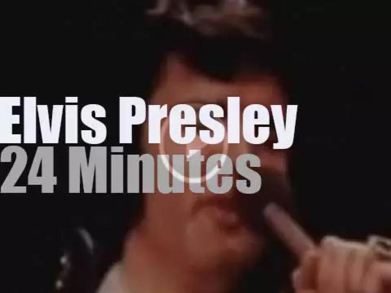 Elvis Presley sings in North Carolina (1972)