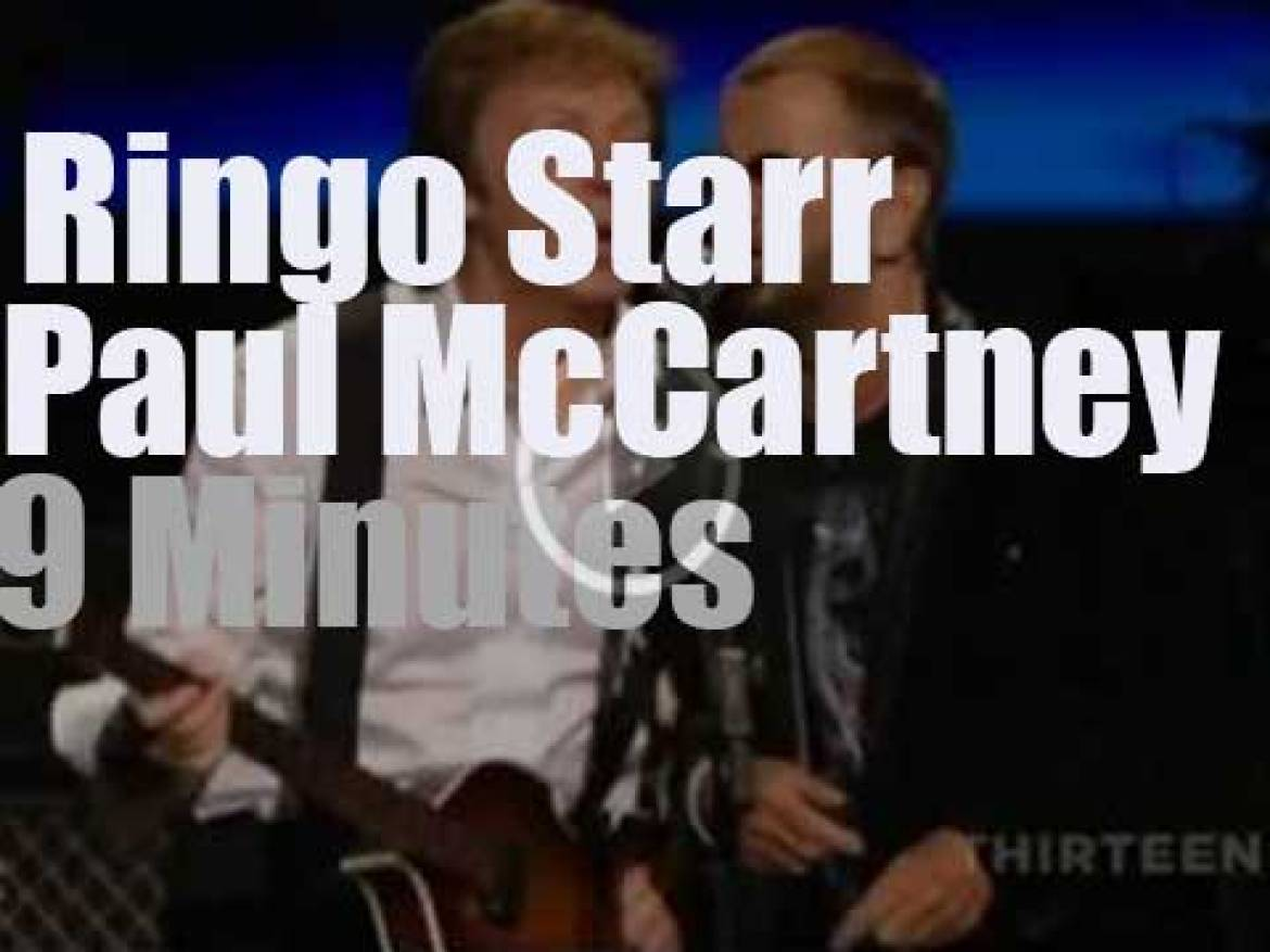 Ringo Starr joins Paul McCartney at Radio City in NYC ( 2009)