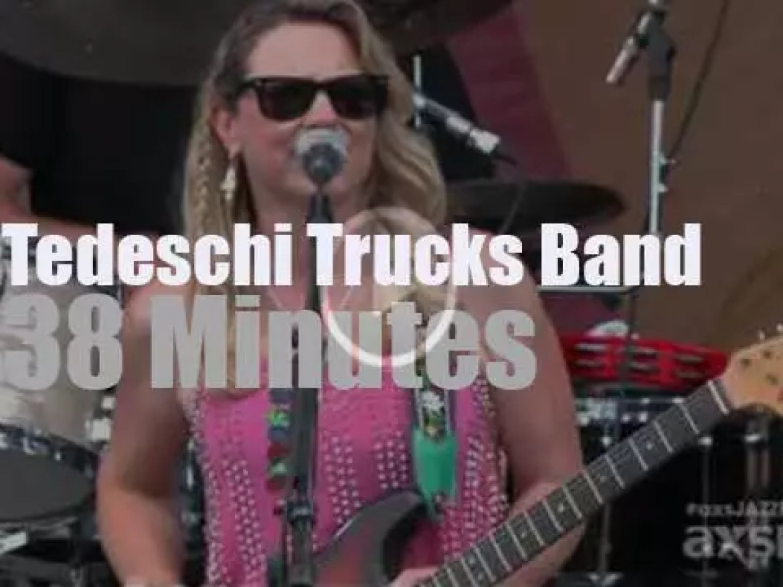 Tedeschi Trucks Band is at New Orleans Jazz Fest (2015)