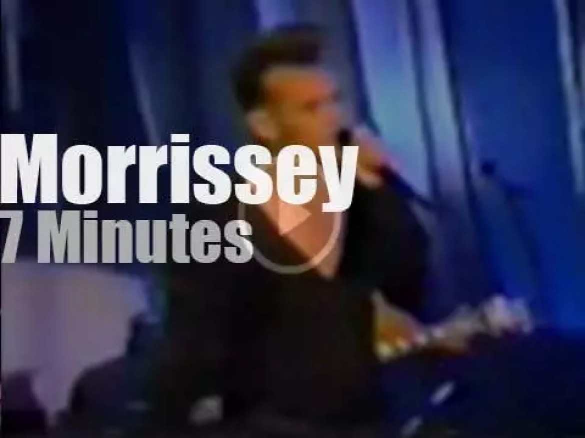 Johnny Carson receives Morrissey (1991)